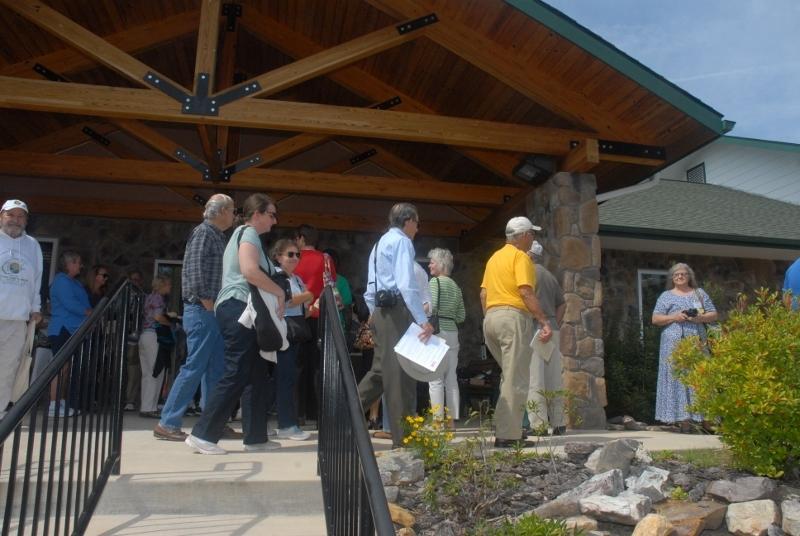 Guests start arriving